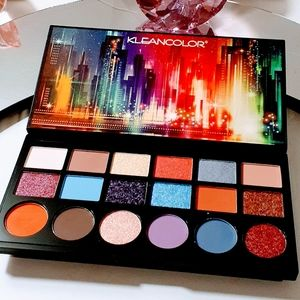 Mattes & Shimmers Eyeshadow Palette Makeup